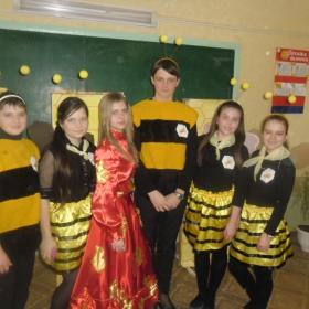 """Виступ команди ДЮР """"Пригоди шалених бджіл"""""""